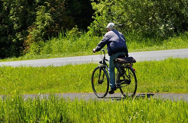 cyklista na venkově