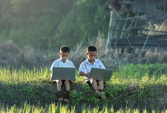 Skorý vývoj – učenie sa hraním